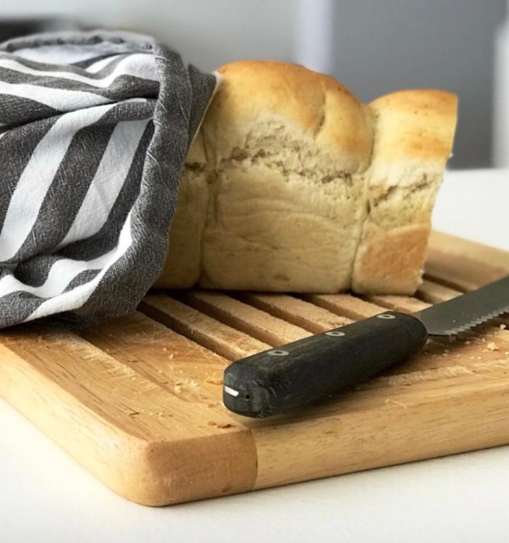 Les incontournables de tous les jours : pain de mie etyaourts